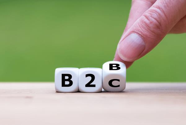 Lettres sous forme de dés, illustrant les mots B2C et B2B